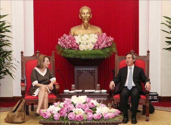ビン委員長、ベトナムビジネスフォーラムの代表と会見 - ảnh 1