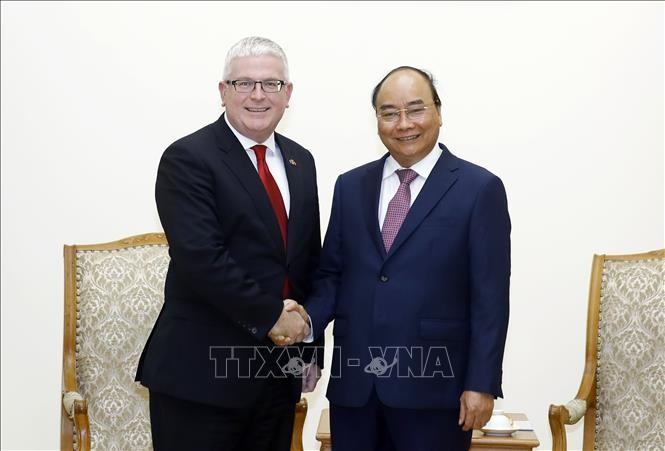 フック首相、オーストラリア大使と会見 - ảnh 1