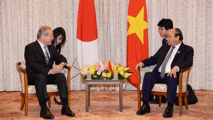 フック首相、日本の大手企業の代表と会見 - ảnh 1