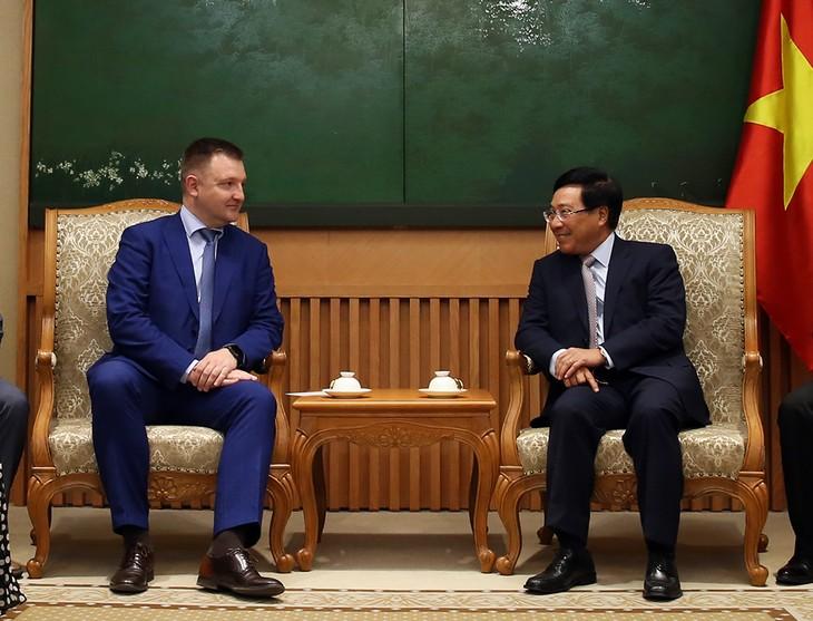 ミン副首相、ロシアの青年担当大臣と会見 - ảnh 1