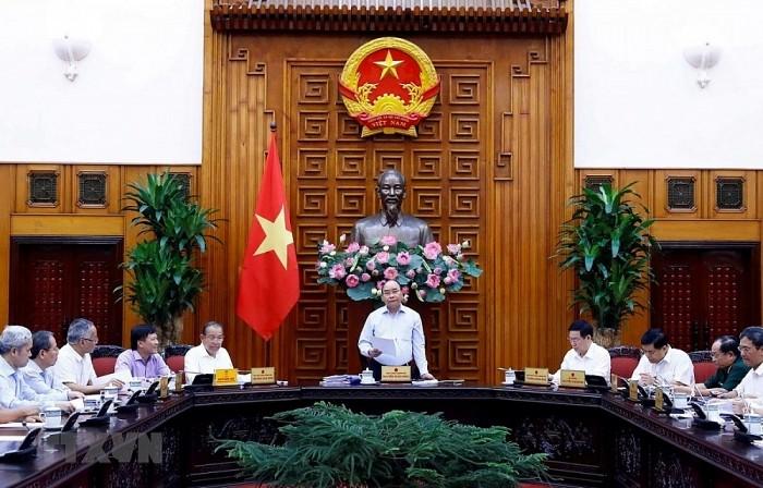 フック首相、経済社会小委員会の会議を主催 - ảnh 1