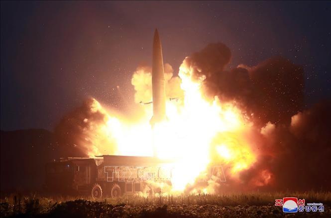 北朝鮮飛しょう体発射 韓国軍「短距離弾道ミサイルか」 - ảnh 1