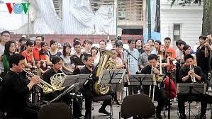 传统音乐与现代音乐汇聚的平台 - ảnh 2