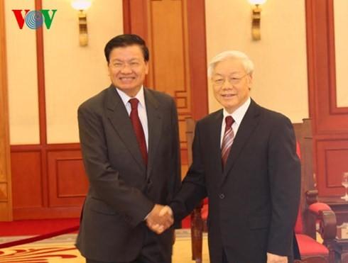 阮富仲总书记会见老挝外交部高级代表团 - ảnh 1