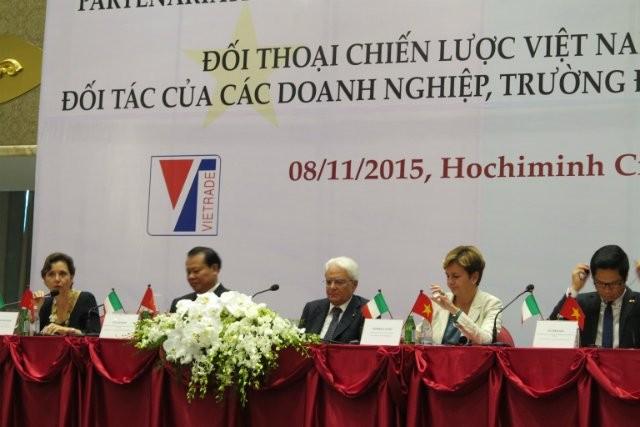 意大利总统马塔雷拉与越南政府副总理武文宁共同主持越意战略对话论坛 - ảnh 1