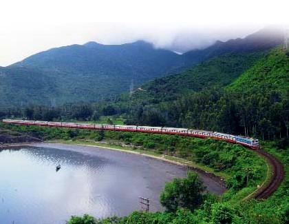 越南多条国内旅游线与铁路运输实现对接 - ảnh 1