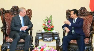 越南政府总理阮晋勇会见英国安德鲁王子 - ảnh 1
