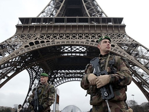 国际社会强烈谴责法国巴黎恐怖袭击事件 - ảnh 1
