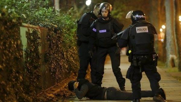 法国恐怖袭击事件3名嫌犯身份已确认 - ảnh 1