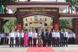 越南国家副主席阮氏缘出席商贸大学周年庆 - ảnh 1