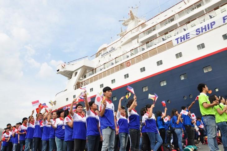 2015东南亚-日本青年船抵达胡志明市 - ảnh 1