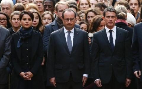 法国举行恐怖袭击遇难者官方悼念仪式 - ảnh 1