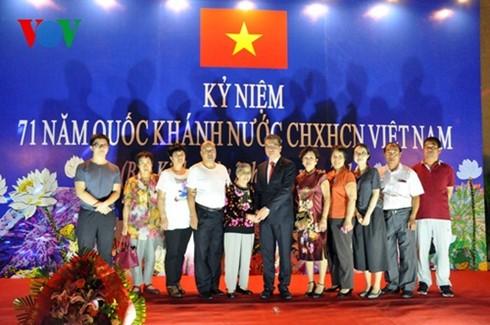 庆祝越南国庆活动在国外举行 - ảnh 1