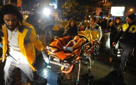 至少35人在伊斯坦布尔恐袭中丧生 - ảnh 1