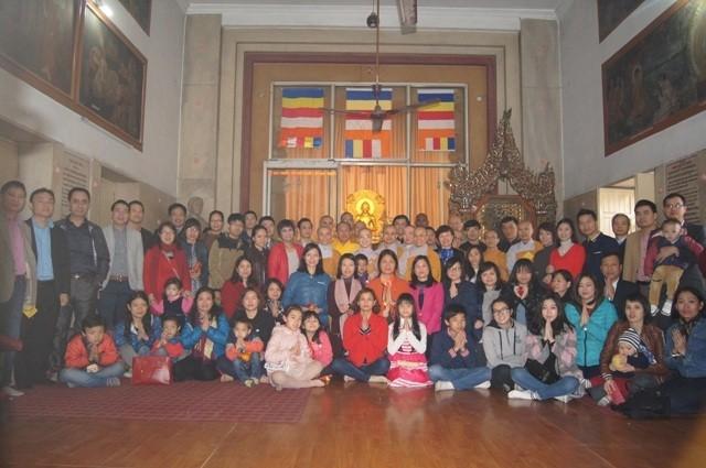 旅居印度越南人举行初春祈安法会 - ảnh 1