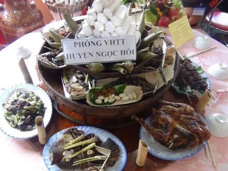 耶特阳族的传统佳肴——酸鱼 - ảnh 1