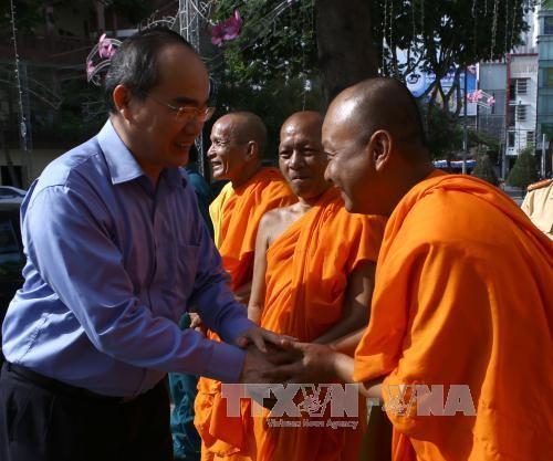 阮善仁向高棉族同胞致以新年祝福 - ảnh 1