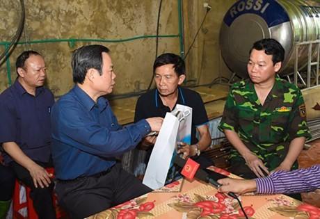 越南国会领导人视察山萝省和安沛省 - ảnh 2