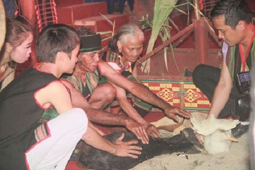 莫侬族的健康祭拜习俗 - ảnh 1