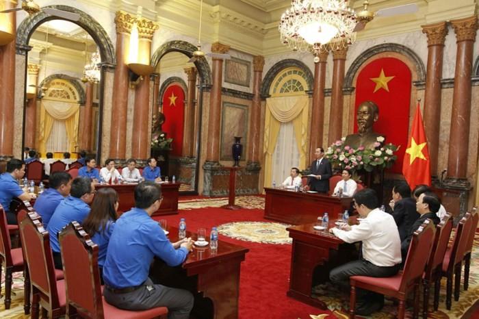 中央机关系统共青团组织举行遵循胡志明主席教导先进青年表彰会 - ảnh 1