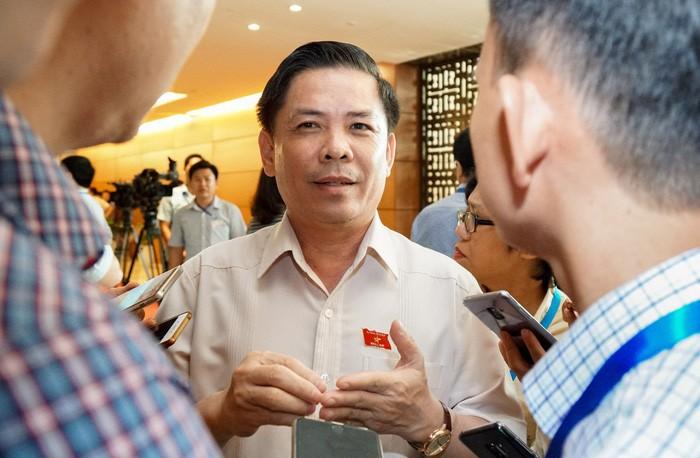 越南十四届国会五次会议开始进行质询和回答质询 - ảnh 1