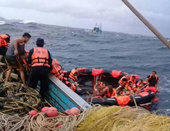 泰国普吉岛沉船事故:找到幸存者的可能性不大 - ảnh 1