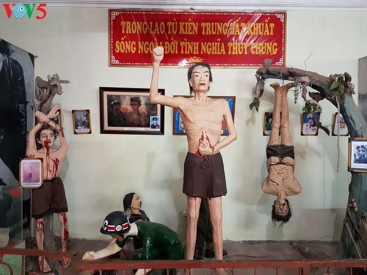 教育爱国传统的红色地址——被敌人囚禁的革命战士博物馆 - ảnh 2