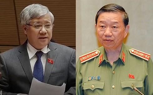 越南国会常委会质询民族委员会主任杜文战和公安部部长苏林 - ảnh 1