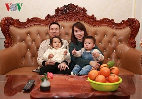 越南80后亿万富翁成功扎根广西 跨国婚姻幸福美满 - ảnh 2