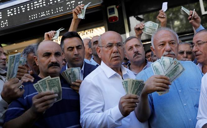 美国与土耳其的紧张关系仍未缓和 - ảnh 1