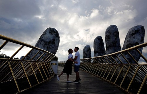 国际媒体称赞巴拿山太阳世界的金桥 - ảnh 1