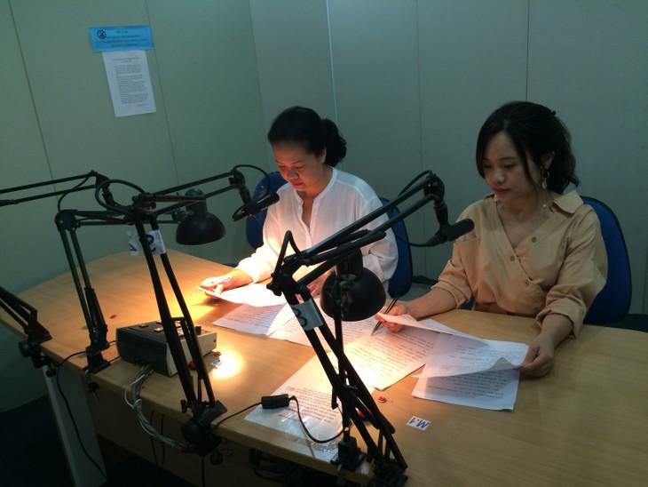 编辑和播音员陈氏妙卿分享她工作中的一些故事 - ảnh 2