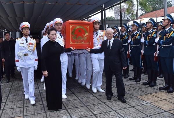陈大光主席追悼会和安葬仪式隆重举行   - ảnh 1