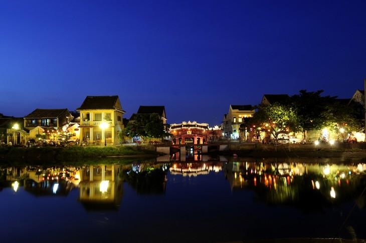 """洋溢着越中友好的越南-中国印象"""" 摄影展 - ảnh 3"""