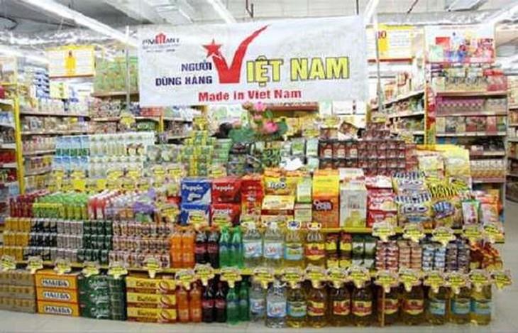 越南人优先用越南货体现爱国情 - ảnh 1