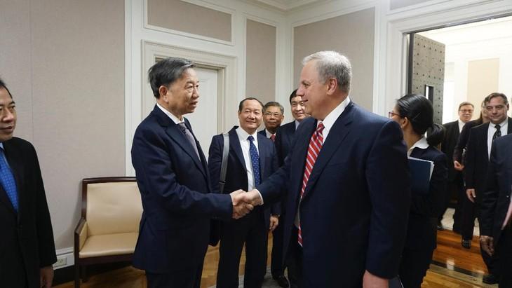 越南公安部与美国内政部举行高级会谈 - ảnh 1