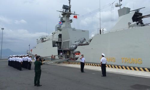 越南海军参加在新加坡举行的ADMM+和2019年 IMDEX - ảnh 1