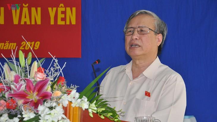越南党和国家领导人与各地选民接触 - ảnh 1