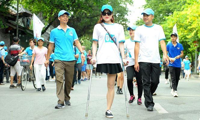 数千人参加为健康跑步活动 - ảnh 1