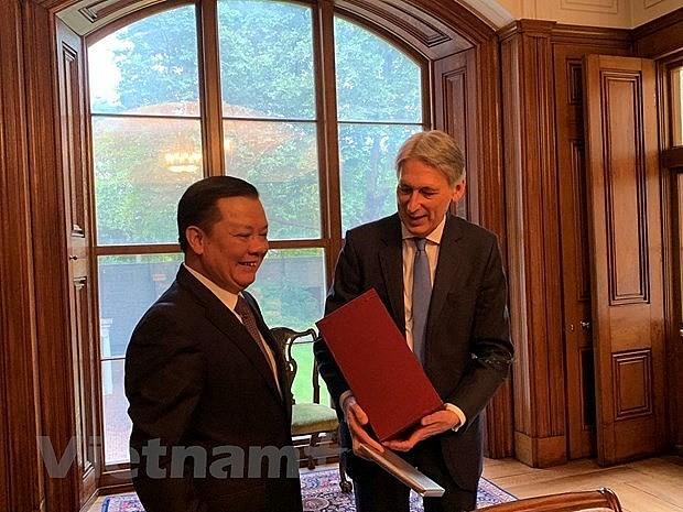 越南和英国分享财政领域经验 - ảnh 1