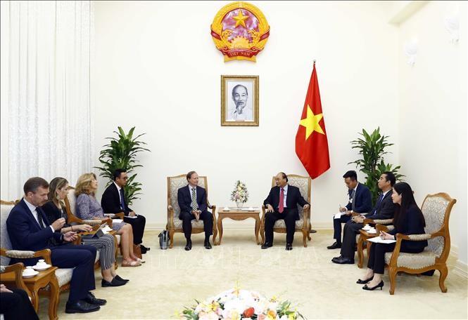 阮春福会见欧盟驻越南代表团团长安格莱特 - ảnh 1
