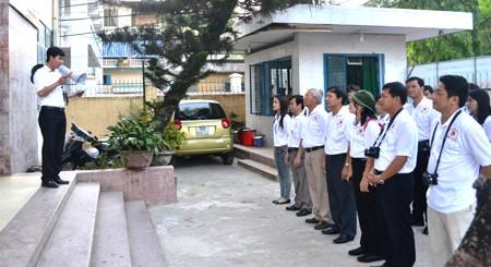 Rombongan sukarelawan musim Panas provinsi Quang Ngai melakukan pekerjaan amal di Laos - ảnh 1