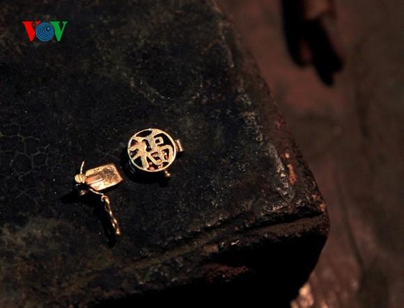 Kejuruan membuat barang perhiasan di jalan Hang Bac - ảnh 3