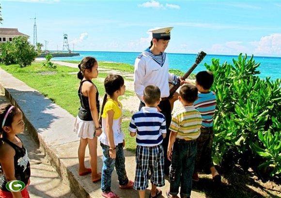 Mempertahankan kedaulatan yang suci dari laut dan pulau Tanah Air dalam hati generasi muda - ảnh 1