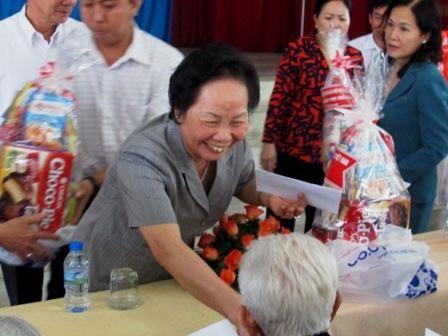 Aktivitas-aktivitas memperingati Hari Prajurit Penyandang Cacad dan Pahlawan Gugur Vietnam (27 Juli) - ảnh 1