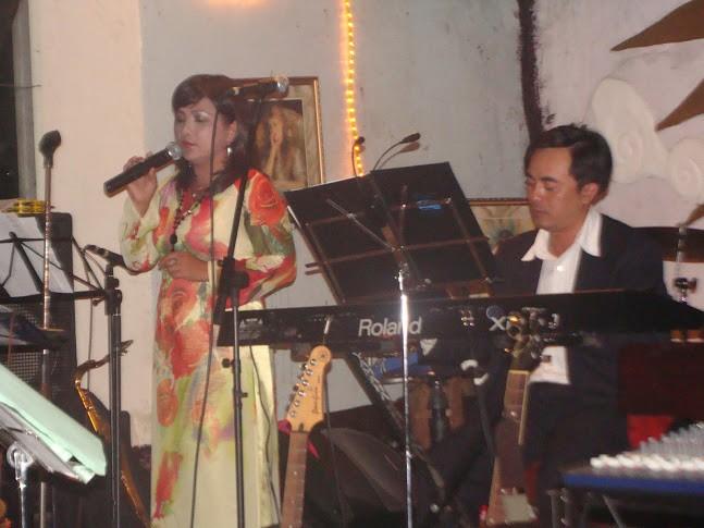 Ruang musik warkop pada malam hari di kota Da Lat - ảnh 1