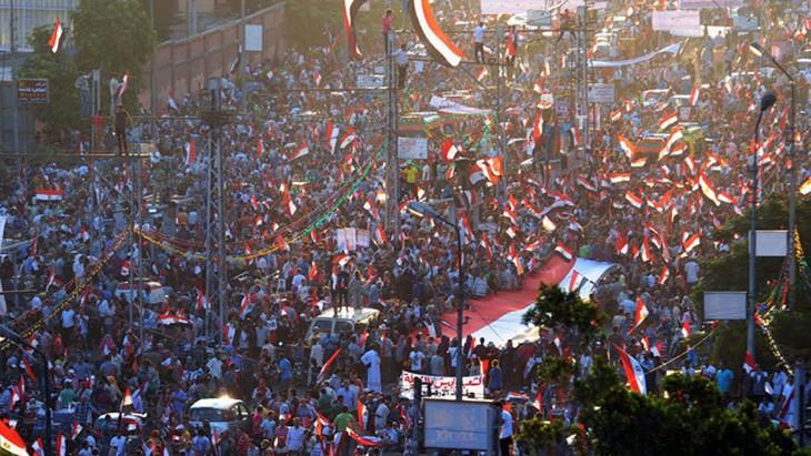 Demonstrasi besar-besaran di seluruh Mesir - ảnh 1