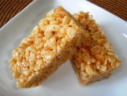 Bermacam jenis kue yang khas dari warga etnis minoritas Giay - ảnh 1