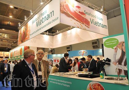 Badan usaha Vietnam menghadiri Pekan Raya Hasil Perikanan Global Brussels 2015 - ảnh 1