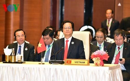 Vietnam memberikan sumbangan yang aktif kepada suksesnya Konferensi CLMV dan ACMECS - ảnh 1
